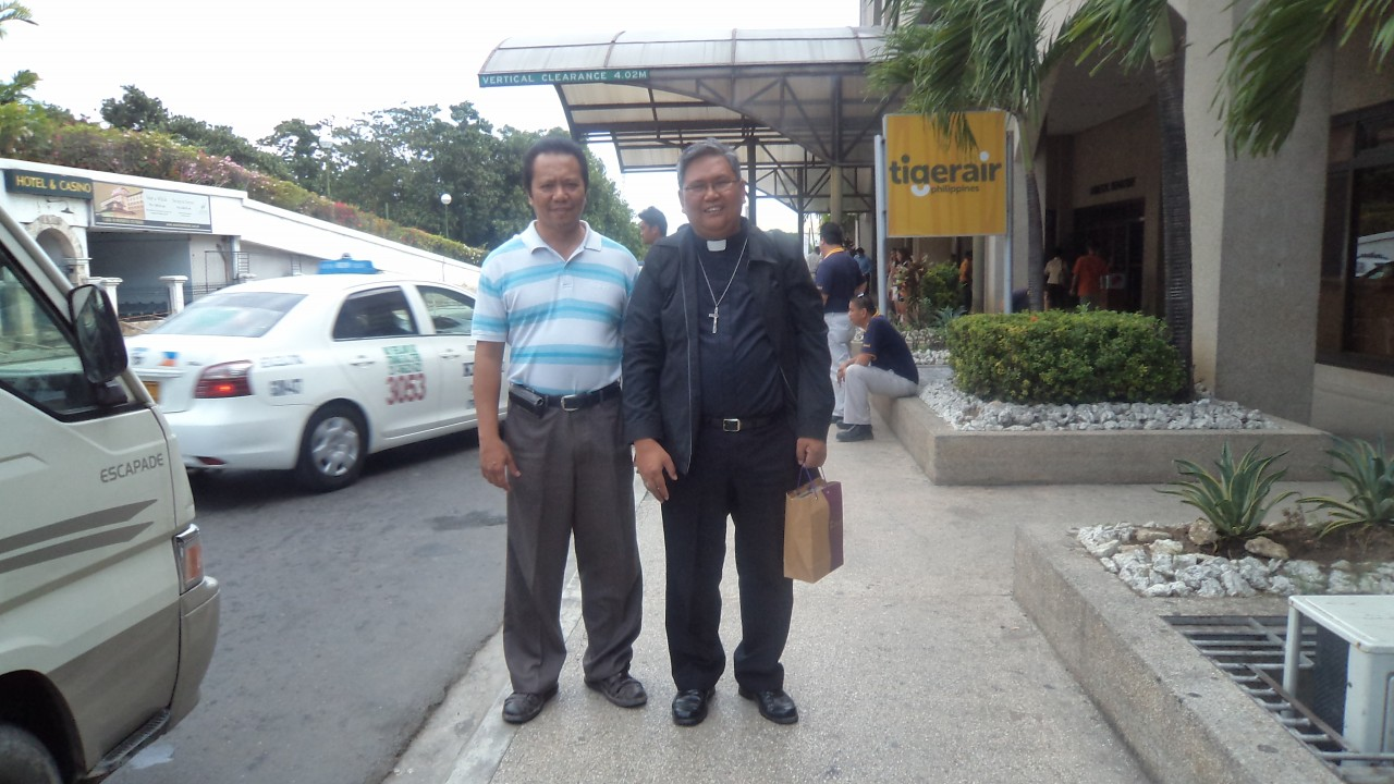 Fr. Abe and Engr. Ramon Gitamondoc, CFD National President